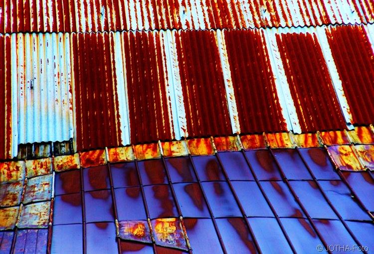 Strukturen und Farben eines Daches