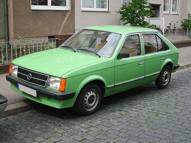 Opel_kadett_d_1_v_sst