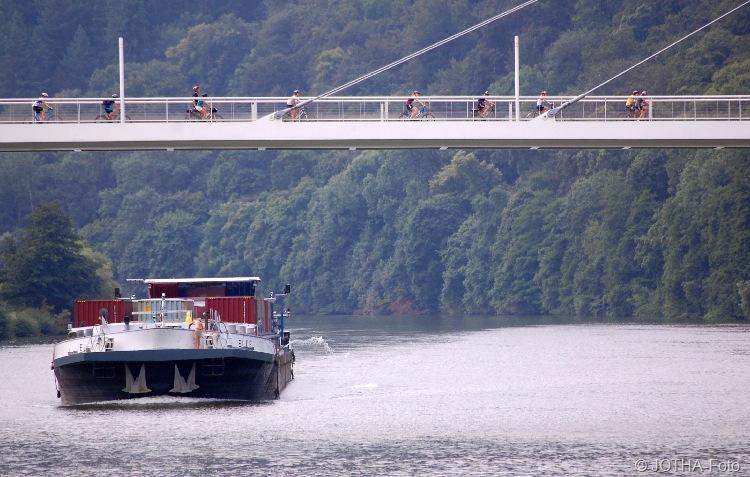 Verkehr am Neckar