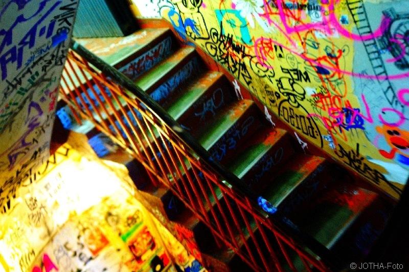 StairwaysToColors_thumb.jpg