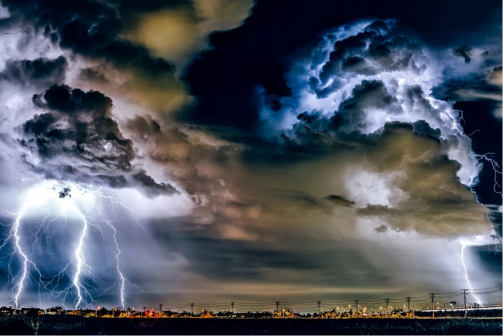 190 pixabay soleimani_thunderstorm-1768742_1280 (7190)
