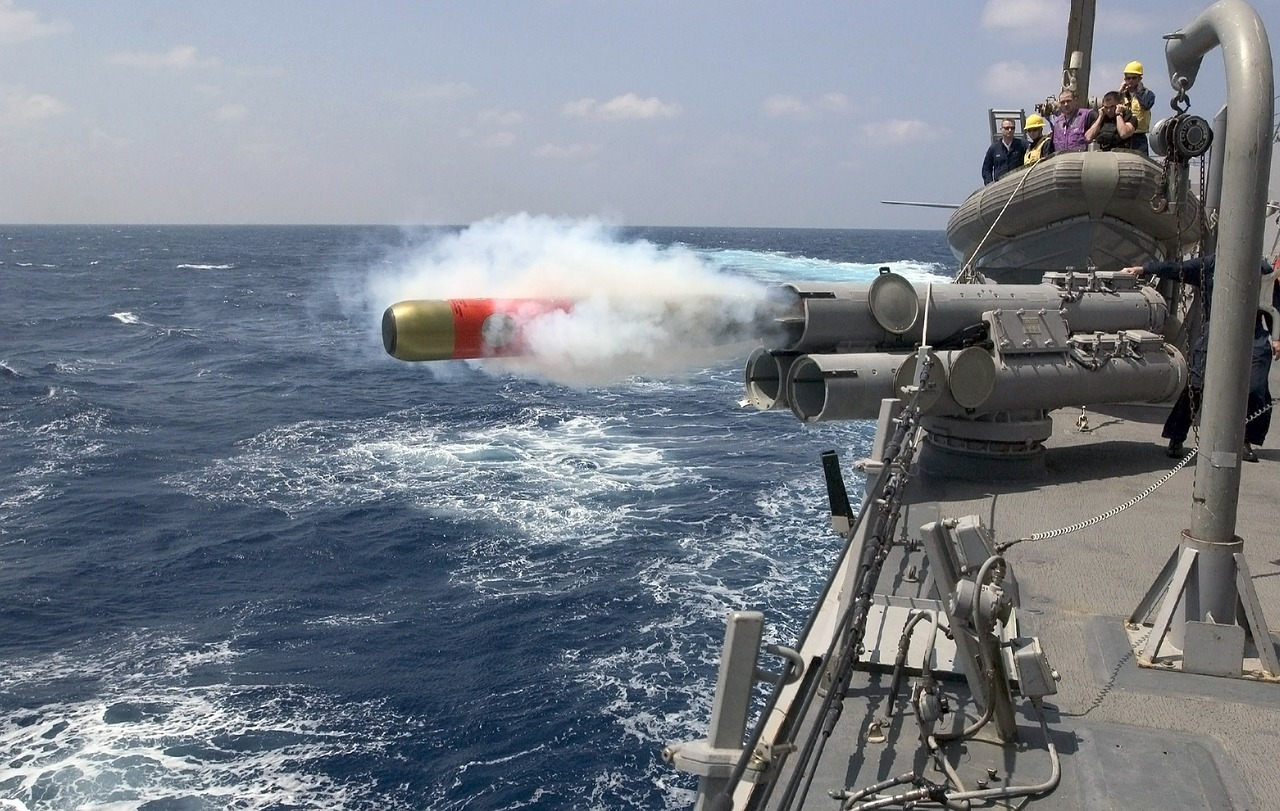 238 SZ torpedo-67468_1280_pixabay